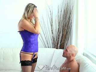 Hd puremature - caliente pechugona mqmf abbey brooks licks ice cream y takes polla