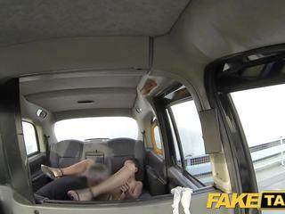 fake taxi ohromující rumunština s perfektní kozičky gets a.