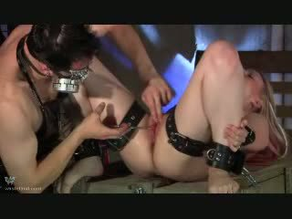 Labia pinching video