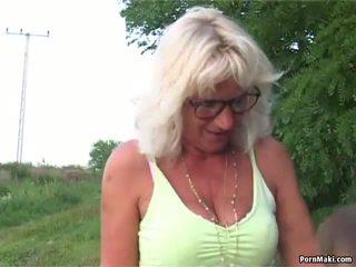 Vecmāmiņa ārā sekss: vecmāmiņa sekss porno video 6e