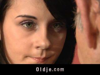 Leila praktika seksualinis exercises su senas vyras