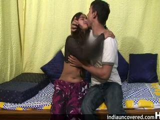 Amatöör india teismeline sisse tema esimene seks stseen