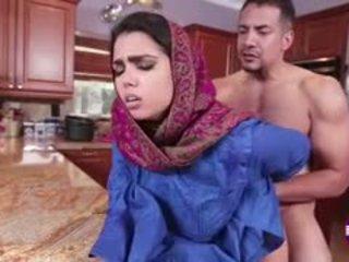 Ada sanchez gets joder en la cocina