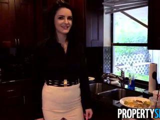 Propertysex - careless reaalne estate agent fucks boss kuni hoidma tema töö