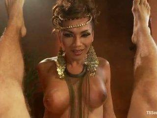 Ts yasmin lee como cleopatra tsseduction com especial característica