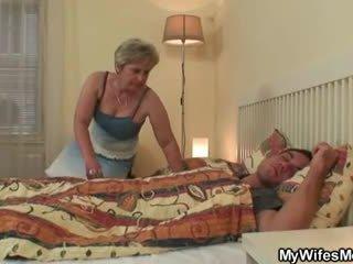 Hustru goes galet när fångad honom fusk