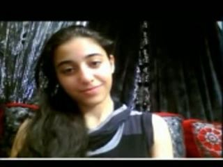 חמוד הידי נוער shows שלה הדוקה כוס ב מצלמת אינטרנט