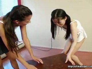 可爱 亚洲人 母狗 getting freaky 同 一 苗条 孩儿