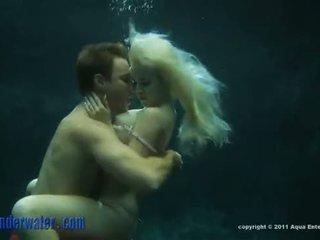 Whitney taylor - undervann sex