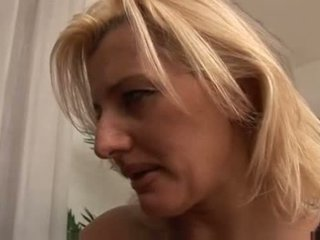 Italiýaly mother knows what to do video