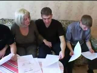 Mama a tri sons príťažlivé rodina sex orgia