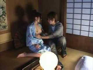 اليابانية عائلة جنس