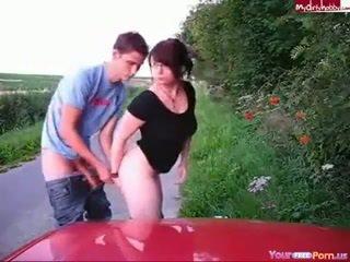 Casal having ao ar livre porno