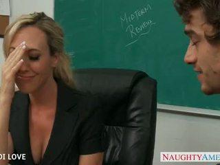 Blond lærer brandi kjærlighet riding kuk i klasserom