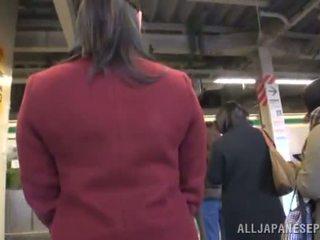 Asia wings appreciates dicklicking and shagging in a publik bis