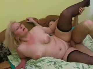 性感 奶奶 lena 勾引 年轻 alex