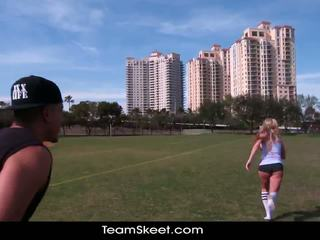 Therealworkout umazano blondinke addison avery je ljubezen po football usposabljanje