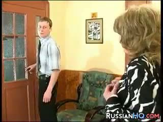 bestemor, gammel + young, russisk