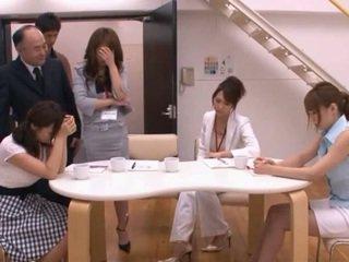 Японки av модел taking pocket rocket