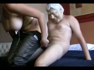 Moi croire bite est la moins de son worries partie 1: porno ea