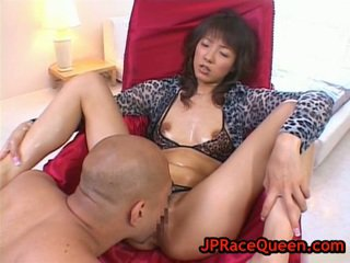 Hiromi Aoyama Has Honey Pot Eaten