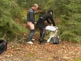 Mainit buhok na kulay kape at luma man, Libre pagtatalik na pambutas ng puwit pornograpya video 44