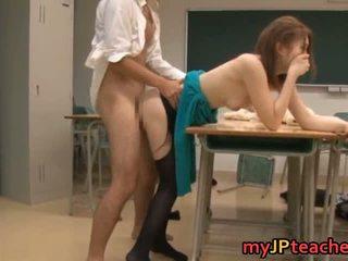 Ai haneda sexy japanisch lehrer has sex