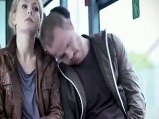 Martina hill - 얼간이 모색 에 버스
