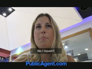 А секс agent е късметлия към майната а блондинки мадама в кола