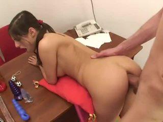 Bonita jovem grávida anal 2