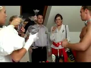 বিয়ে লাগামহীন যৌনতা: বিনামূল্যে কঠিন পরিশ্রম পর্ণ ভিডিও 40