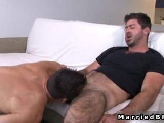 Getrouwd fellow acquires sexy homo pijpen