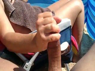 Groot lul strand afrukken