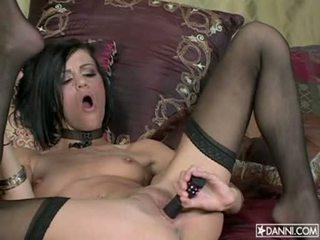 Lusty 熱 花癲者 addison rose inserts 一 玩具 在 她的 緊 屁股 和 loves 它