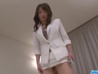 Asiatic asistenta ayumi iwasa devours pula între ei mâini