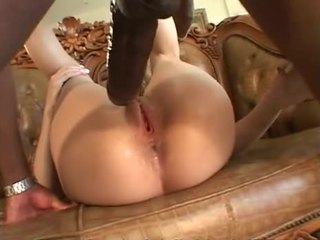 Mandingo's monster cock nails her hard