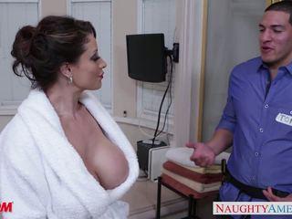 Збуджена мама eva notty gives мастурбація цицьками