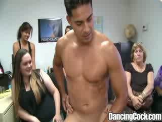 Dancingcock hämmastav dong kontoris rühm