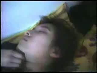 Сплячий зріла жінка fingered відео