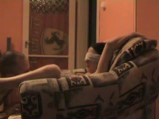 נוער blind folded ו - כפוי ל זיון stranger וידאו