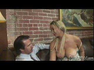 ideāls blowjobs jebkurš, pilns blondīnes, karstākie lielas krūtis karstākie