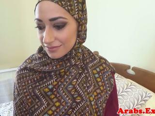 Pounded muslim فتاة jizzed في فم, حر الاباحية 89