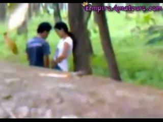 Cinese coppia beccato scopata in il woods