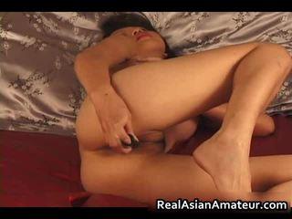 Charming asiatisch amateur nackt dildoing