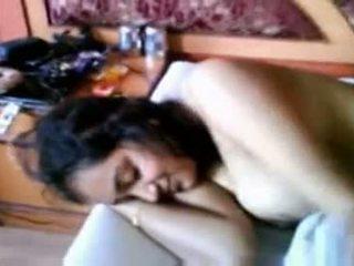 Smart indisk aunty's søt stor pupper og nippl
