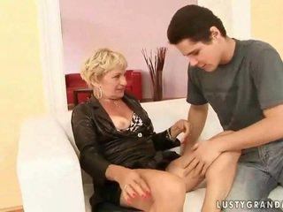 Grandmother porno kompilacija