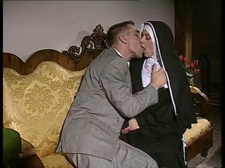 Utanjaň monah gets her göt fucked and ýüz spermed