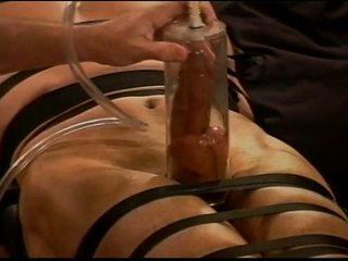 Ακραίο vacuum pumping cbt επί muscle guy