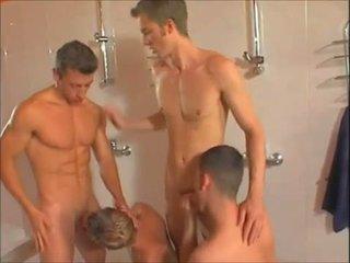 Heet homo showers orgie