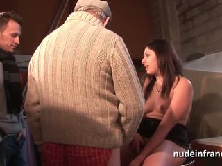Amateur young brunette analized in 3way with Papy Voyeur
